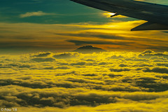 _FOU9704.jpg (Murray Foubister) Tags: 2018 gadventures spring sunset travel aerial africa lighteffects clouds