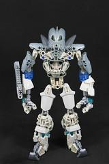 ArcticBreez the Experiment (Blazingrat96) Tags: lego bionicle mocs arctic breez breeze blazing rat blaze blazingrat fire ice white silver