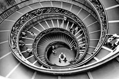 Le Vatican - Rome - Italie (pierreouziel) Tags: rome roma vatican escalier bw nb italie italia