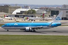 PH-BXN | KLM Royal Dutch Airlines | Boeing B737-8K2(WL) | CN 30356 | Built 2000 | LIS/LPPT 04/05/2018 (Mick Planespotter) Tags: aircraft airport 2018 nik sharpenerpro3 phbxn klm royal dutch airlines boeing b7378k2wl 30356 2000 lis lppt 04052018 b737 portela portugal lisbon delgado humbertodelgado humberto