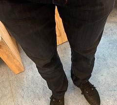 """Ik zeg: """"Skin tight wet look jeans"""" worden het helemaal in 2019!"""