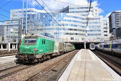 BB(4)75073 + VZC 152 + BB66417 - ME100 - Train n°814775 Paris-Montparnasse > Massy-TGV (nicolascbx) Tags: bb75000 bb75073 bb66417 bb66400 fret infra vzc152 sncf sncfinfra sncfréseau parismontparnasse massytgv station measurementtrain messzug messwagen catenarycar 814774 train tren zug