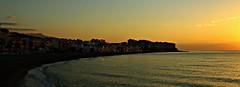 La Caleta de Vélez (portalealba) Tags: caletadevelez axarquía málaga andalucía españa spain sunrise portalealba canon eos1300d macro nwn nubes