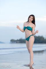 DSC_8839 (Robin Huang 35) Tags: 亞庇縣 沙巴 馬來西亞 my 謝立琪 kiki sabah malaysia 丹絨亞路 海邊 海灘 沙灘 泳裝 比基尼 bikini 遊拍 人像 portrait lady girl nikon d850 beach 亞庇