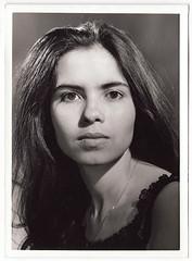 Vintage Portrait : Unidentified Dark Eyed Beauty (CHAIN12) Tags: woman girl younglady 5x7 ppr4tvwportraitdarkeeyedbeauty1 brunette portrait