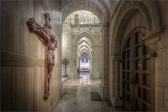 Buckfast Abbey (Darwinsgift) Tags: interior buckfast abbey devon crucifix church nikkor pc e 19mm f4 tilt shift hdr