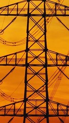 Strommast,orange View (feldweg2008) Tags: powerline unterschiede trasse strommast grid industrie tag sky pole latticeclimbing arbeit freileitung stromtrasse old new alt neu gittersteigen masten gittermast leitungsbau sonnenuntergang orange sun sunset abendstimmung