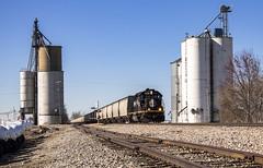 Lost at Leverett (Seven Tracks Photography) Tags: ic sd402 leverett illinois illinoiscentral g899 locomotive train railroad photography