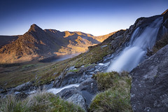 Tryfan (Lukasz Lukomski) Tags: snowdonia wales water cymru nationalpark lukaszlukomski landscape mountains stream waterfall nikond7200 sigma1020