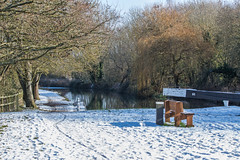 Snowy Kennet & Avon Canal, Nr. Aldermaston (baldychops) Tags: canal kennetavon kennetavoncanal ka path towpath lock bench winter snow snowy outdoor cold freeze freezing nature sun sunshine
