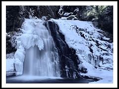 Sotto il ghiaccio (Super Mario Bros1) Tags: neve ghiaccio fiume acqua cascata valleaurina