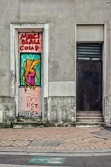 Mimil - cru 2019 (Isa-belle33) Tags: urban urbain city ville doors portes wall mur davidselor street streetphotography streetart streetartbordeaux fujifilm bordeaux graffiti