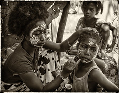 Children of Madagascar / Дети Мадагаскара (dmilokt) Tags: чб bw черный белый black white сепия sepia портрет portrait dmilokt остров island деревня village ребенок child