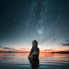 8 (pvlkrsnv) Tags: sunlights sonya7 sonya7ii portrait woman girl colors womanportrait milkyway art night stars