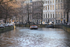 Old city Canal , Amsterdam 24.12.2018 (szogun000) Tags: amsterdam netherlands nederland city cityscape buildings architecture old brick street water canal trees boat ship cruiseboat urban noordholland northholland canon canoneos550d canonefs18135mmf3556is
