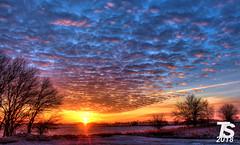 Winter Sunrise over Iowa Falls, Iowa 12-24-18 (KansasScanner) Tags: iowafalls iowa up csx fire fd train railroad