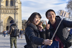 remember Paris (fred9210) Tags: paris tourists notredame street portrait light finger selfies chinese