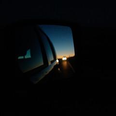 Midnight Confessions (travelkaefer) Tags: arizona ashfork myroadtripamerica pinaveta az mirror us vereinigtestaaten usa car night lights sunset blue