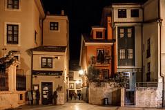 Trascorrales, Oviedo (ccc.39) Tags: asturias oviedo trascorrales plaza cascoantiguo noche nocturna calle ciudad street night city urban architecture
