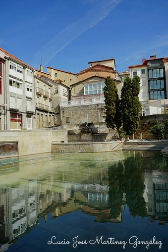 "Ourense. Piscina termal as Burgas. • <a style=""font-size:0.8em;"" href=""http://www.flickr.com/photos/26679841@N00/40356921673/"" target=""_blank"">View on Flickr</a>"