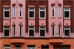 Pretty in Pink (geka_photo) Tags: gekaphoto kiel schleswigholstein deutschland gaarden mehrfamilienhaus pink 37 architektur