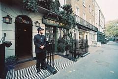 Sherlock Holmes Museum (goodfella2459) Tags: nikonf4 afnikkor14mmf28dlens adoxcolorimplosion100 35mm c41 film analog colour london bakerstreet 221bbakerstreet sherlockholmes sherlockholmesmuseum sirarthurconandoyle johnwatson museum history manilovefilm