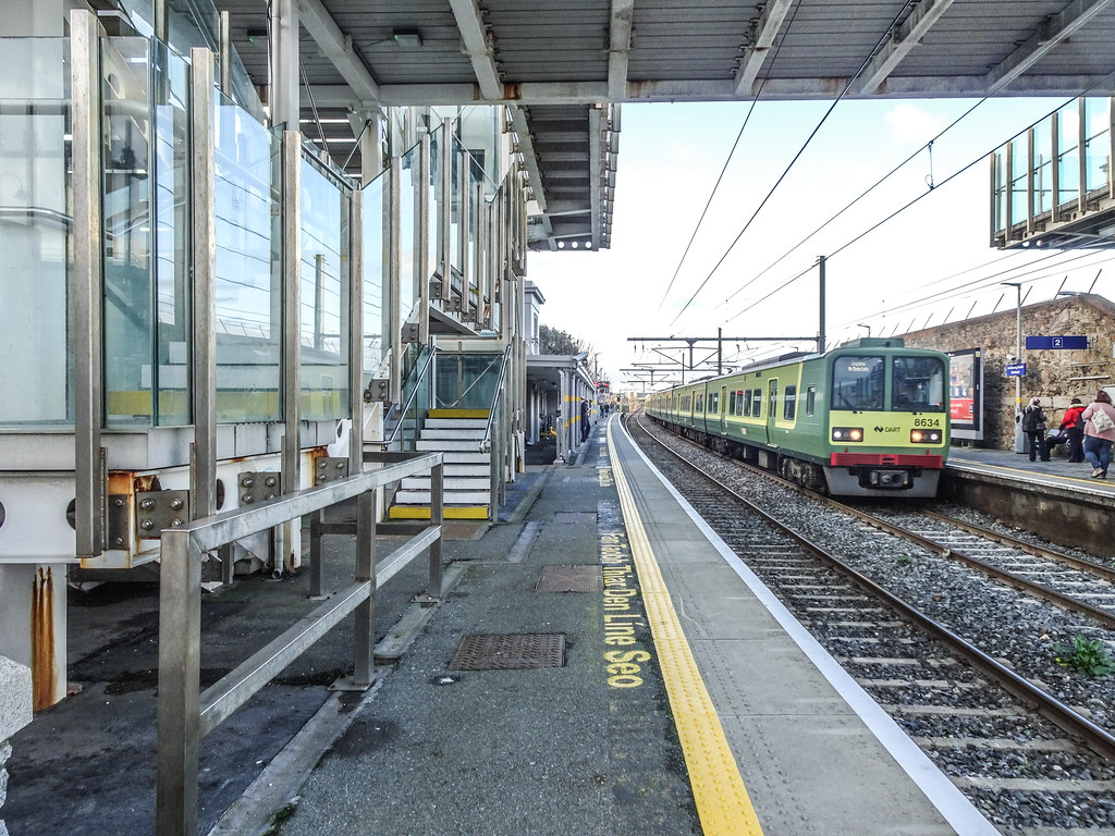 BLACKROCK TRAIN STATION [AND NEARBY]-148105