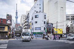 Tokyo ! (Flutechill) Tags: street urbanscene people city editorial citylife sign famousplace architecture outdoors travel buildingexterior builtstructure traveldestinations traffic cultures japan day downtowndistrict car transportation asia cityscape bus store business restaurant retail colorimage tourist tourism tokyoskytree