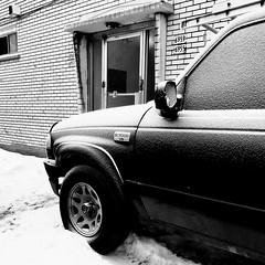 Même les voitures frissonnent l'hiver... (woltarise) Tags: ford pickup gel hiver montréal iphone7 détails rosemont quartier