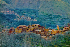Tizi Zougouart, Azzadene Valley, Toubkal, Maroc. (KRAMEN) Tags: pueblos towns bereber mountains society adobe marruecos valle azzadene zougouart maroc morocco