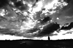 000905 (la_imagen) Tags: türkei turkey türkiye turquía istanbul istanbullovers üsküdar maidentower leanderturm kızkulesi boğaz bosporus bosphorus sw bw blackandwhite siyahbeyaz monochrome sky cloud wolken bulut contrast kontrast aykırılık