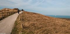 Walkers (AltoScroll) Tags: capgrisnez capblancnez footpath coast sea water sky grass windy wind walker pedestrian