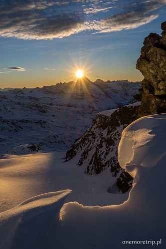 Matterhorn świeci jak latarnia