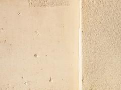 WallMini.jpg (Klaus Ressmann) Tags: klaus ressmann omd em1 abstract autumn fparis france lemarais wall design flcstrart minimal softtones streetart klausressmann omdem1