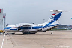 [ORY] Volga-Dnepr Airlines Ilyushin Il76 _ RA-76952 (thibou1) Tags: thierrybourgain ory lfpo orly spotting aircraft airplane nikon d810 tamron sigma volgadneprairlines ilyushinil76 ra76952 pushing santamaria sma lpla forly aircaraibes engine engineaircraft