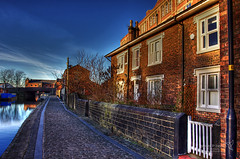 Wigan 09 Jan 2019 00088.jpg (JamesPDeans.co.uk) Tags: goldenhour forthemanwhohaseverything landscape wigan gb printsforsale windows unitedkingdom landscapeforwalls england gate britain greatbritain lancashire wwwjamespdeanscouk europe architecture chimneys brickbuilt jamespdeansphotography uk digitaldownloadsforlicence