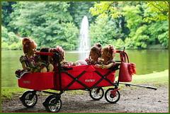 Kindergartenkinder ... und wieder geht eine Reise zu Ende ... (Kindergartenkinder 2018) Tags: havixbeck burg hülshoff sommer natur kindergartenkinder annemoni kindra milina sanrike tivi