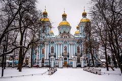 église Saint-Nicolas des marins (yvon.kerdavid) Tags: église cathédrale saintpetersbourg russie hiver neige coupoles
