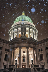 Heavy Snow (Kirby Wright) Tags: snow snowflakes winter january 2019 dome capitol downtown square madison wisconsin dane county pillars blue white night symmetry nikon d700 tamron 2040mm f2735 off camera flash promaster