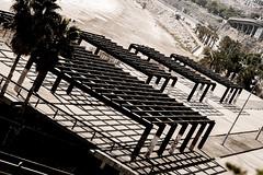 Pérgolas (Ricardo Pallejá) Tags: pérgolas nikon d500 playa urbana urban urbanexploration arquitectura architecture tarragona travel turismo textura street silueta sombras shades sun blancoynegro bw blackandwhite holandes