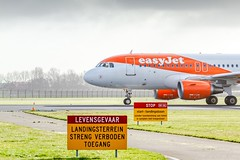 AMS 08/03 (Mehdi Meunier) Tags: aviation airport airplane airplanes airlines air avion amsterdam airways planespotting spotting planespotter planes spotter spotters