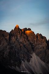 Pointe lumineuse (daicaphoto) Tags: extérieur dolomites montagne nature sentier italie pierre randonnée panorama arbres forêt trecime