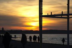 watching the sunset at the beach (ericgrhs) Tags: people sunset beach warnemünde rostock mecklenburgvorpommern ostsee balticsea sun sea silhouettes shoreline