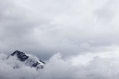 Mountain Peak (CoolMcFlash) Tags: mountain nature sky clouds minimalistic minimalism minimalistisch simplicity landscape weather cloudy canon eos 60d austria berg natur himmel wolken bewölkt landschaft mountainscape wetter österreich fotografie photography tamron b008 18270 copyspace negative space