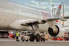 HB-IOL (timo.soyke) Tags: swiss hbiol airbus a321 closeup apron flugzeug eddh ham hamburg hamburgairport