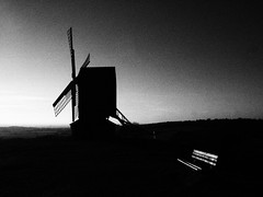 Brill WIndmill (cycle.nut66) Tags: black white monochrome grayscale grainyfilmartfilter brill windmill barn wheel tail sky hill hills late afternoon evening low sunlight still air warm peaceful restored countryside england olympus epl1 evolt micro four thirds mzuiko sails horizon