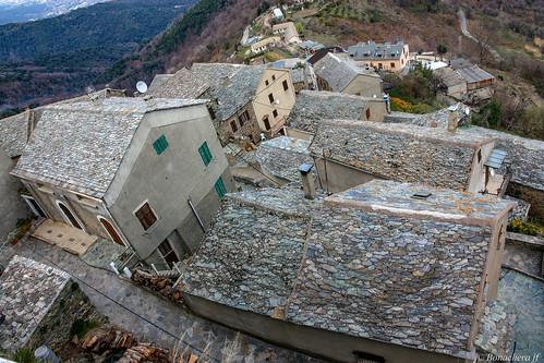 Les toits de Loretu...