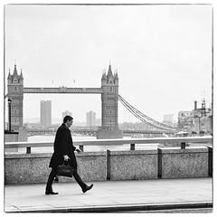 Businessman (Dom-35) Tags: bw blackwhite londres noiretblanc paysage street urbain