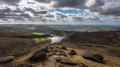 In the clouds (Phil-Gregory) Tags: nikon d7200 tokina1120mmatx tokina kinderscout reservoir clouds lowcloud cloudscape naturephotography ngc scenicsnotjustlandscapes landscapes rocks