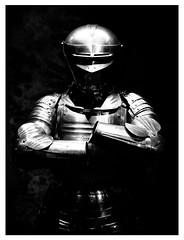Liquid Knight (Thomas Listl) Tags: thomaslistl blackandwhite biancoenegro noiretblanc monochrome light lighting knight museum london uk greatbritain england tower toweroflondon armor contrast